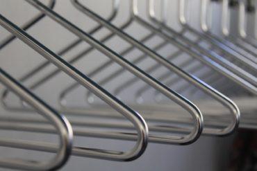 Jak zaprowadzić minimalizm w swojej szafie